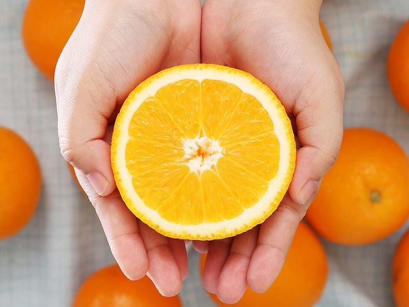 Ăn nhiều thực phẩm chứa vitamin C giúp kinh nguyệt ra sớm hơn