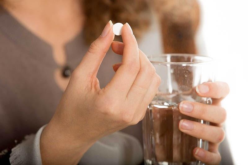 Tùy vào từng tình trạng bệnh bác sĩ sẽ kê đơn dùng thuốc phù hợp