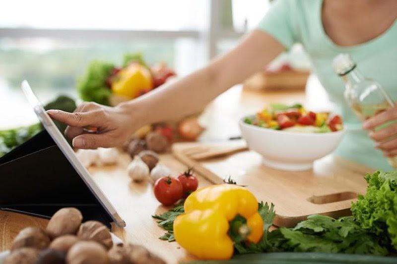 Xây dựng chế độ ăn uống khoa học giúp giảm rối loạn kinh nguyệt