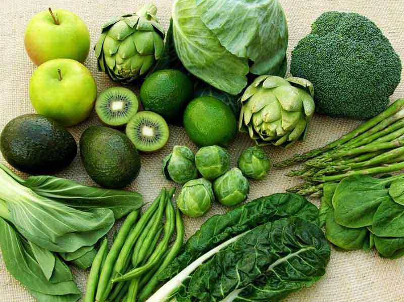Rau xanh và trái cây mang lại nhiều lợi ích cho người mắc bệnh