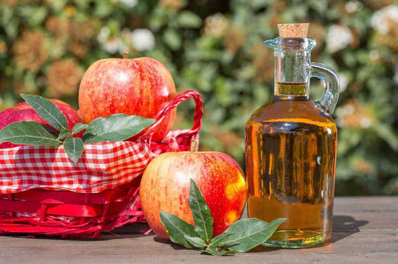 Giấm táo có tác dụng diệt khuẩn, cân bằng độ pH cho âm đạo