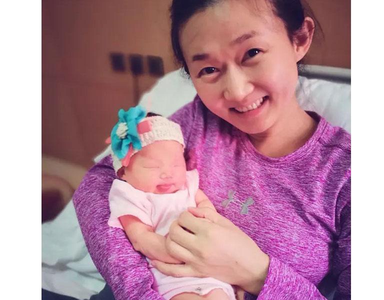Chị Tuyết và con gái