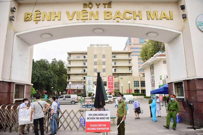 Khám và điều trị viêm lộ tuyến cổ tử cung ở đâu? Bệnh viện Bạch Mai