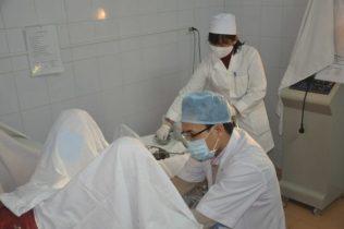 Trị liệu bằng phương pháp ngoại khoa có ưu điểm là thời gian thực hiện nhanh