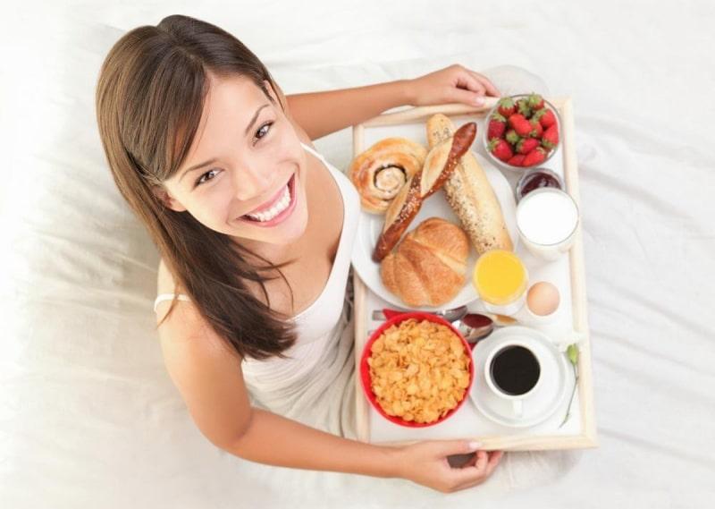 Có nhiều thực phẩm hỗ trợ điều trị viêm lộ tuyến quen thuộc, rẻ tiền