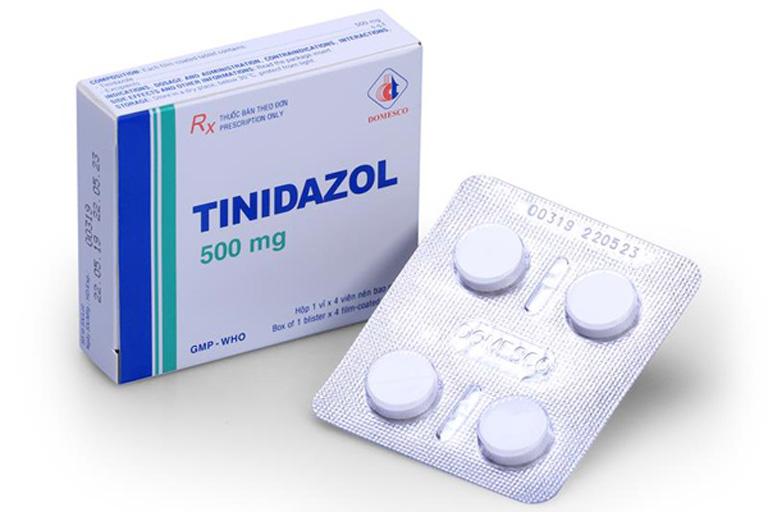 Bác sĩ kê thuốc kháng sinh Tinidazol cùng một loại kháng sinh khác cho mình
