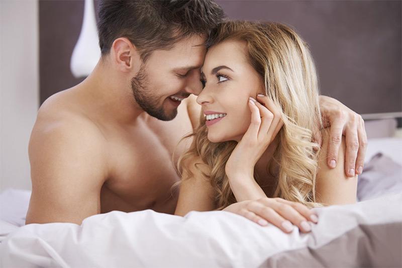 Sinh hoạt tình dục không lành mạnh là một trong những nguyên nhân gây bệnh