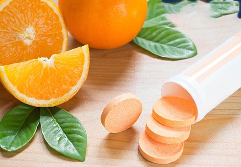 Bổ sung vitamin C rất tốt cho đề kháng và vùng viêm nhiễm- đây cũng là một cách chữa viêm cổ tử cung tại nhà hiệu quả.