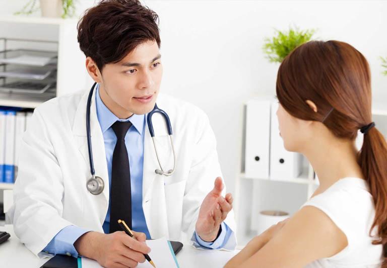 Người bệnh nên khám phụ khoa định kì để được phát hiện và điều trị viêm cổ tử cung kịp thời.
