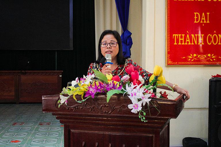 Bà Lương Thị Kim Oanh - CT Hội LH Phụ Nữ Huyện Kiến Xương, Thái Bình phát biểu tại Hội Thảo