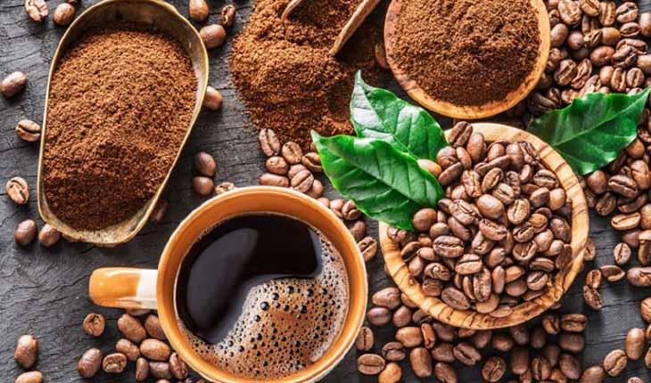 Nên tránh các loại đồ uống chứa cafein khi đang có chu kì kinh kéo dài.