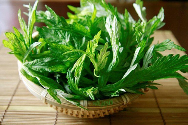 Ngải cứu giúp giảm các triệu chứng đau bụng kinh hiệu quả