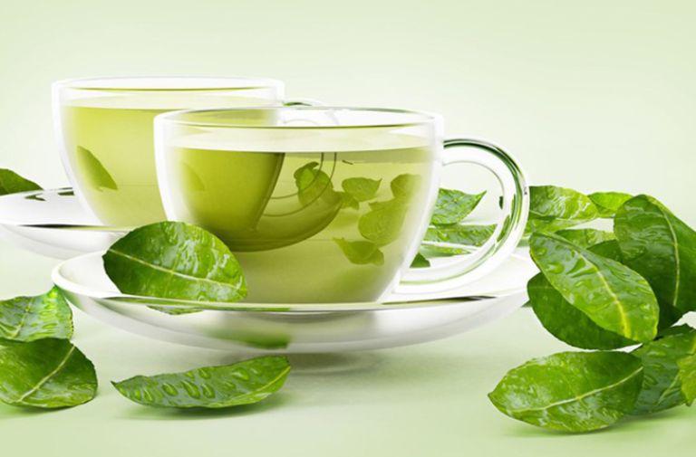 Thường xuyên uống trà xanh ngăn ngừa đa nang buồng trứng