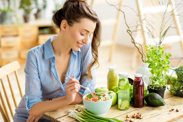 Lưu ý trong chế độ ăn giúp nữ giới kiểm soát tốt triệu chứng đa nang