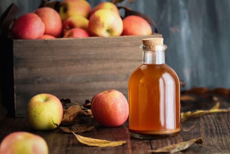 Sử dụng giấm táo hàng ngày giảm đa nang buồng trứng