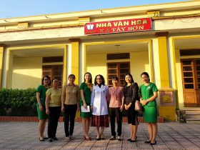 Đoàn công tác của Trung tâm Phụ Khoa Đông y Việt Nam tại xã Tây Sơn - Thái Bình