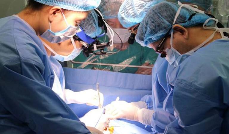 Can thiệp ngoại khoa được xem như phương pháp điều trị cuối cùng dành cho các ca tắc vòi trứng nặng