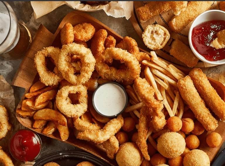 Các thực phẩm này thường được yêu thích, ưa chuộng nhưng lại không tốt cho sức khỏe