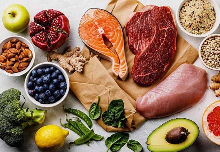 Bổ sung thêm các thực phẩm giàu dinh dưỡng vào thực đơn để hỗ trợ trị viêm cổ tử cung nhanh chóng.