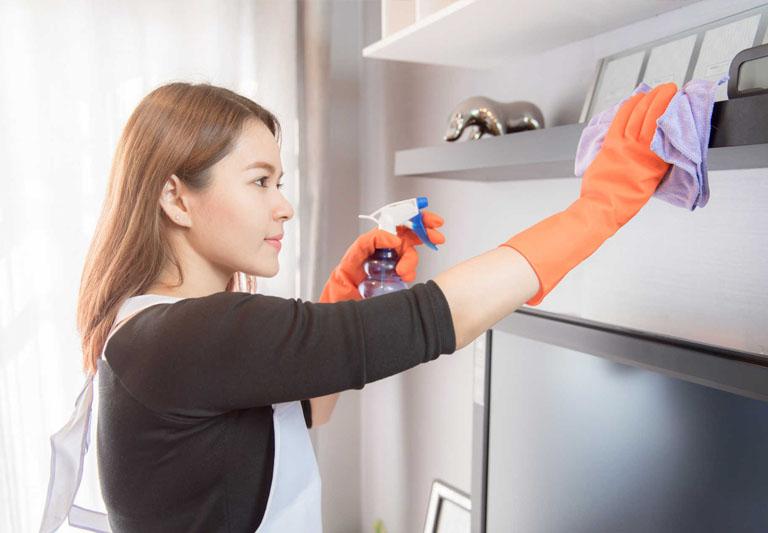 Dọn dẹp nơi ở, nơi sinh sống và làm việc để tránh nhiễm nấm, kí sinh trùng.