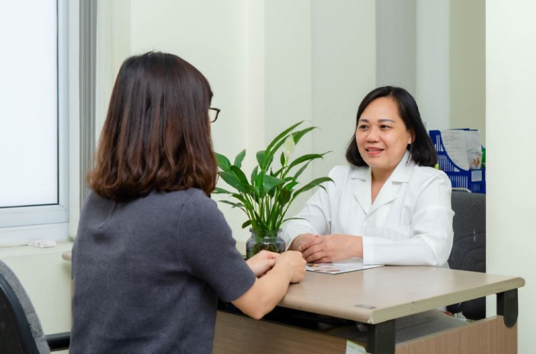 Sau quá trình áp dụng cách chữa tắc vòi trứng bằng đông y cần đi khám để đánh giá hiệu quả