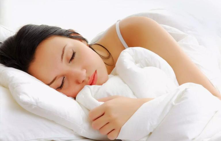 Chị em nên dành nhiều thời gian nghỉ ngơi hơn sau phẫu thuật lạc nội mạc tử cung