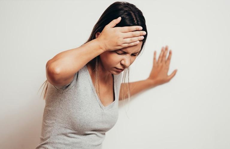Rong kinh sau sinh có thể gây ra mất máu trầm trọng.