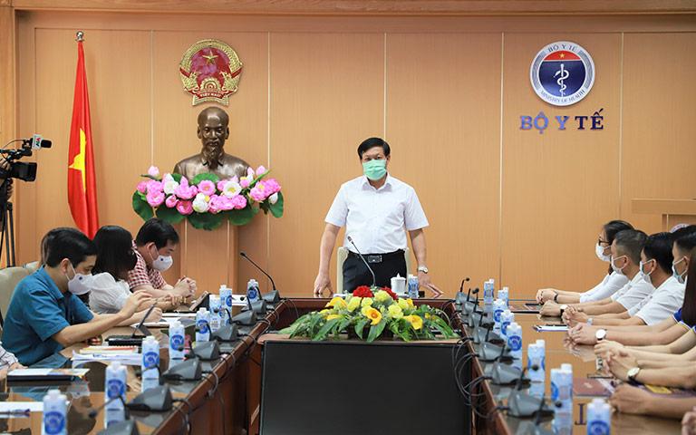 Đồng chí Đỗ Xuân Tuyên, Thứ trưởng Bộ Y tế phát biểu tại Buổi tiếp nhận