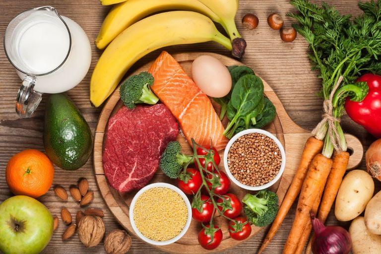 Chế độ dinh dưỡng cân bằng giúp đảm bảo sức khỏe, tránh các triệu chứng khó chịu do tình trạng thiếu máu gây ra