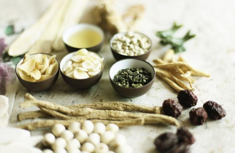 Nguyên liệu của các bài thuốc từ thiên nhiên nên an toàn và lành tính