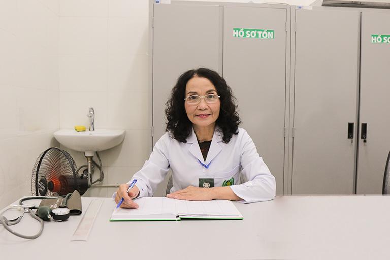 Chân dung Thầy thuốc Ưu tú - BSCKII Lê Phương